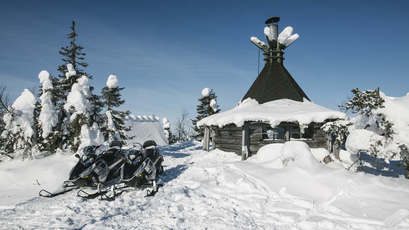 Rukahuolto Moottorikelkkavuokraus Ruka Kuusamo
