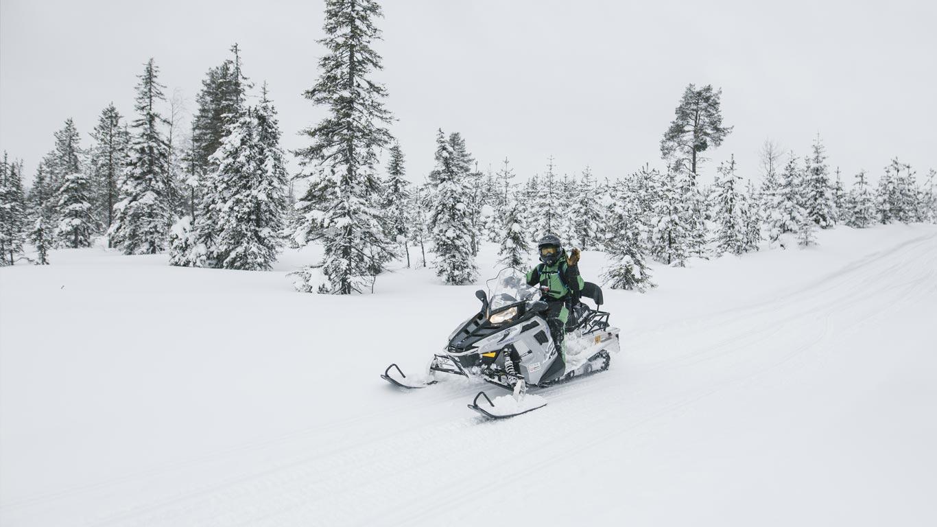 Vuokraa moottorikelkka Ruka Kuusamo